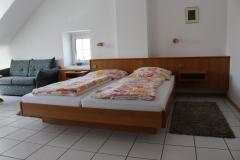 Zimmer6_Bett-1